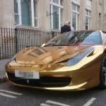 gold ferarri1